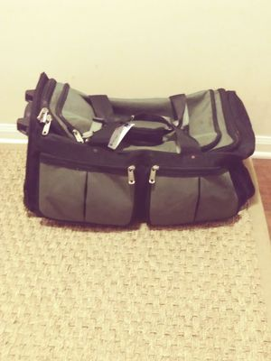 23 inch Athalon luggage for Sale in Charlotte, NC