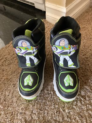 Boys Buzz Lightyear Light Up Snow Boots Size 10 for Sale in San Diego, CA