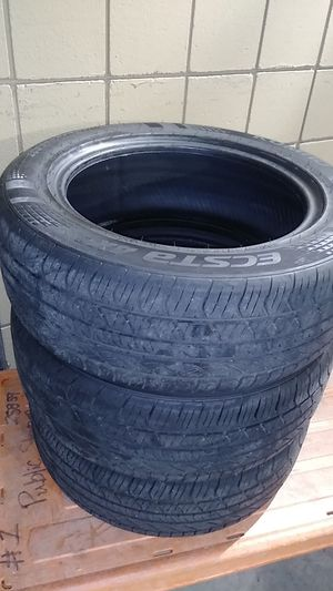 3 KUMHO TIRES for Sale in Tampa, FL