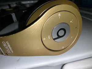Dre beats studio wireless for Sale in Rialto, CA
