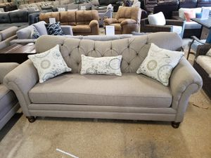 New 2pc tufted sofa and loveseat set tax included free delivery for Sale in Hayward, CA