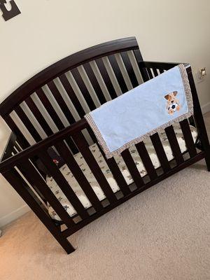 Crib Furniture Set (Mattress Included)! for Sale in Miami, FL