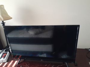 32 inch Roku smart tv TCL for Sale in Buford, GA