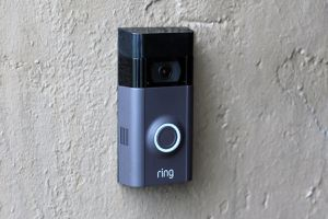Ring Video Doorbell 2 with 4 extra batteries for Sale in Phoenix, AZ