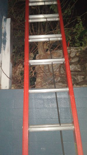 28 ft extension ladder new for Sale in Fontana, CA