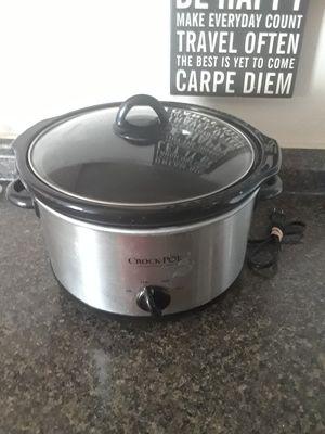 Nice crock pot for Sale in Jacksonville, FL