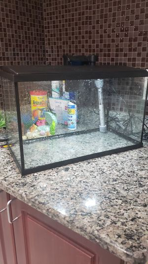 10 Gallon Aquarium for Sale in Dearborn Heights, MI