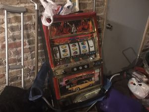 Slot machine for sale for a gift or to use for Sale in Homewood, IL