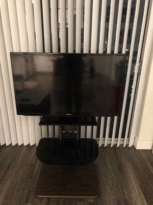 Samsung TV with Stand for Sale in Florida City, FL