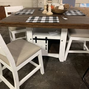 Farmhouse Table for Sale in Graham, NC