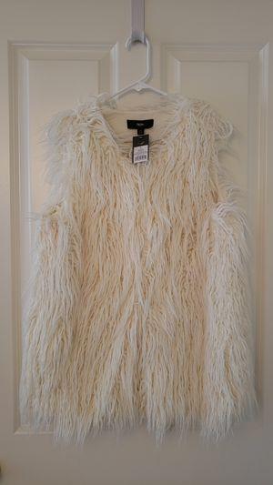 Mossimo Cream Faux Fur Vest - Size Large for Sale in Arlington, VA