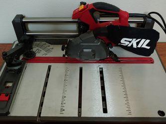 Skil Flooring Saw For Laminate And Vinyl Floors for Sale in Henderson,  NV