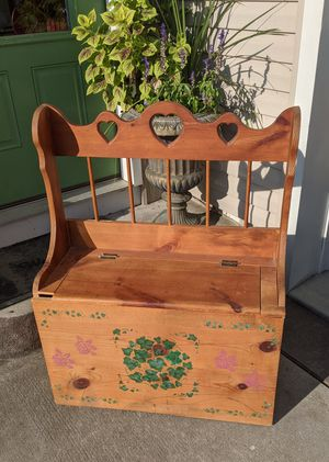 Vintage Wooden Toy Box for Sale in Uniontown, OH