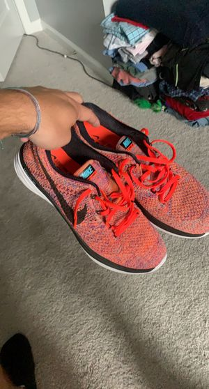Nike flyknit shoes for Sale in Monroe, NC