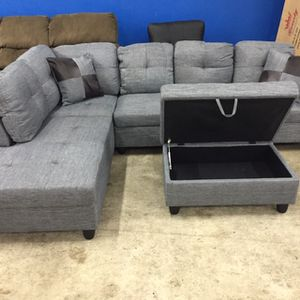 Grey Linen Sectional Couch And Storage Ottoman for Sale in Woodinville, WA