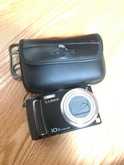 LUMIX 10x digital camera and case for Sale in San Jose,  CA