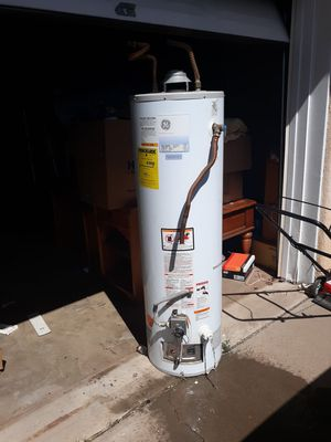 GE water heater 40 gallon mint condition for Sale in Albuquerque, NM