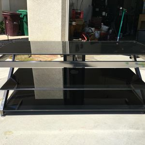 Z-LINE tv stand for Sale in Olympia, WA