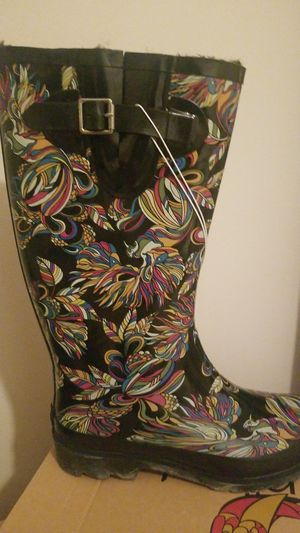 RAIN BOOTS SIZE 7 NEW for Sale in Chicago, IL