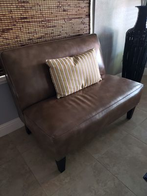 2 person sofa for Sale in Kingsburg, CA