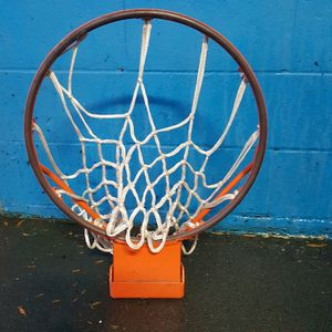 Basketball hoop $30 for Sale in Mukilteo, WA