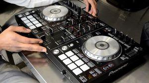 I want a dj set i don't have money but want to learn to dj Ddj sr sx for Sale in Brooklyn, NY