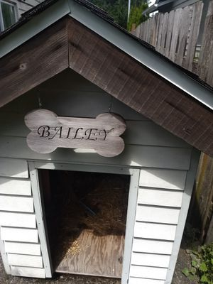 Large dog house for Sale in Everett, WA