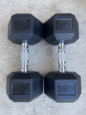 35 pound dumbbells weight set Brand New for Sale in City of Industry, CA