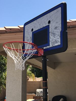 Big well made basketball hoop for Sale in Peoria, AZ