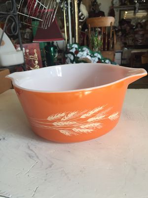 "VINTAGE PUREX orange ""HARVEST WHEAT"" round with pour handles for Sale in Scappoose, OR"