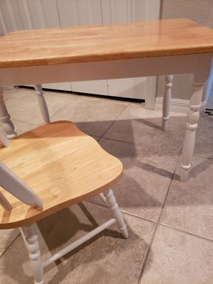 Kids table for Sale in Orlando, FL