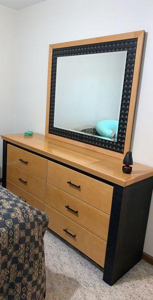 Queen Bedroom Set for Sale in Sterling Heights, MI
