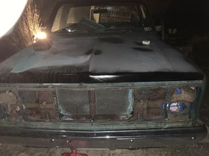 1985 Chevy 305 motor 4 speed tranny runs for Sale in Weston, WV