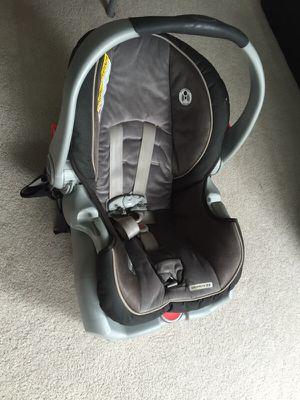 Graco snugride 35 car seat for Sale in Seattle, WA