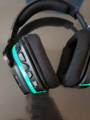 Logitech G933 wireless gaming headphones for Sale in Las Vegas, NV