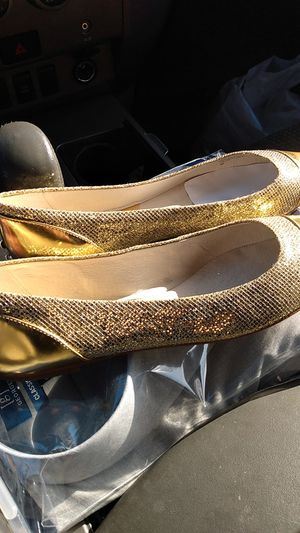 Michael Kors gold flats sz 8.5 for Sale in San Jose, CA
