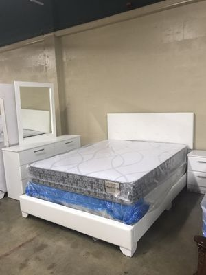 Brand new queen size bedroom set with mattress $599 for Sale in Miami Lakes, FL