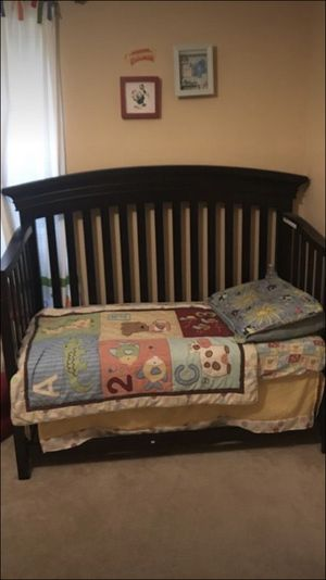 3 in 1 baby crib turn to a toddler bed and a full bed for Sale in Lorton, VA