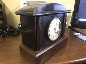 Antique Seth Thomas desk clock with beautiful chimes for Sale in Brentwood, NC