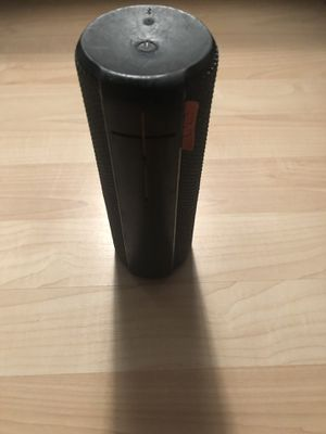 UE Boom Bluetooth Speaker for Sale in Silver Lake, OH