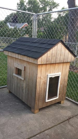Dog House for Sale in Sterling Heights, MI
