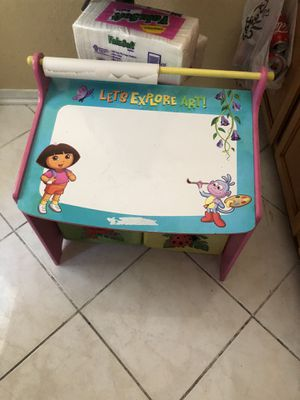 Dora kids small desk for Sale in Los Angeles, CA