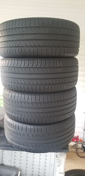 235/45/18 tires for Sale in Gaithersburg, MD