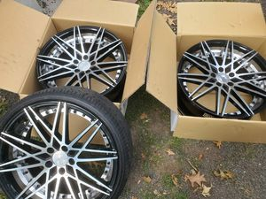3 rims 4 sale great cond...4th rims is cracked for Sale in Meriden, CT