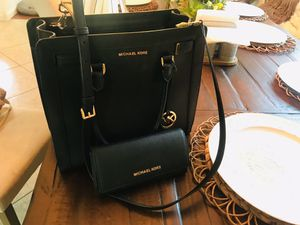 Authentic MK purse and wallet for Sale in Houston, TX