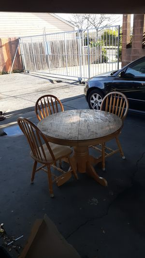Table and chairs for Sale in Richmond, CA