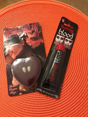 Deluxe vampire fangs and vampire blood NIP for Sale in Massapequa, NY