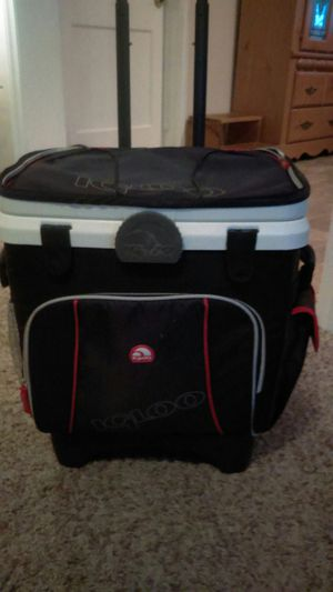 Igloo 36 can rolling cooler for Sale in Portsmouth, VA