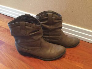 Women's Rosie slouch boots from Trend Report for Sale in Portland, OR