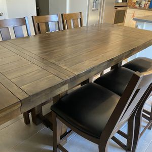Wood kitchen Table And Wood Leather chairs - $950 for Sale in Spring Valley, CA